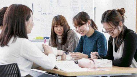岐阜聖徳学園大学看護学部の第2期生が看護師国家試験で全員合格 ~保健師国家試験でも全員合格の快挙