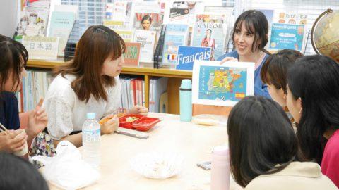 フェリス女学院大学の特色ある語学教育プログラム ─ 学べる言語は10種類、授業外のサポートも