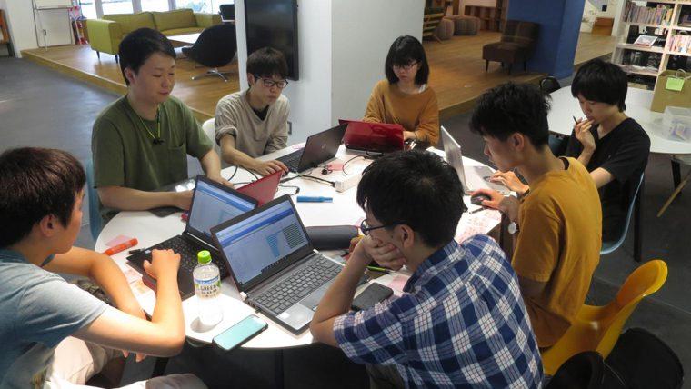 提供されたデータを元に、金沢工業大学の学生が企業にAIモデルを提案